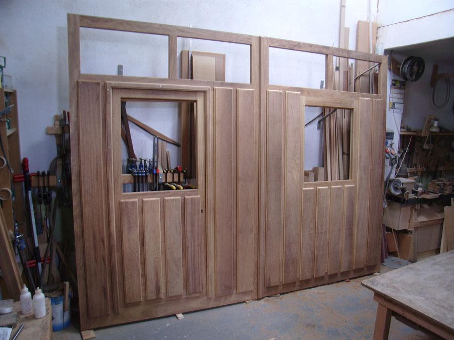 Carpinteria hernandez - Puertas de garaje de madera ...